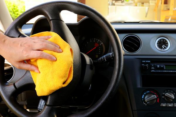Mijn auto laten reinigen terneuzen goed vervoer for Auto interieur schoonmaken